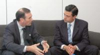 """El gobernador Enrique Peña Nieto (derecha) en la entrevista con el presidente del país Vasco, Juan José Ibarretxe. """"Podríamos concluir que estamos ante un escenario inédito, ante un escenario donde […]"""