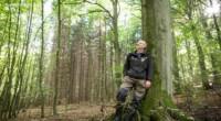 Un guardabosques en Alemania descubre que los árboles tienen conexiones sociales. Encuentra en ellas la capacidad de contar, aprender y recordar. El naturalista británico Charles Darwin fue uno de los […]