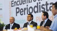Toluca, Méx.- Los diputados Aarón Urbina Bedolla, presidente de la Junta de Coordinación Política, y Octavio Martínez Vargas, presidente de la Diputación Permanente de la LVIII Legislatura mexiquense, acompañaron al […]