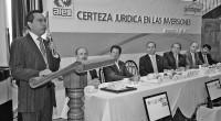 Ecatepec, Méx.- Para evitar que se cometan actos de corrupción o abusos contra los transportistas y automovilistas en general, el alcalde de Ecatepec de Morelos, Indalecio Ríos Velázquez, dio a […]