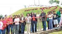 Naucalpan, Méx.- Con una inversión cercana a los nueve millones de pesos, la presidenta municipal, Azucena Olivares inauguró 15 parques en todo el municipio, los cuales ahora se constituyen como […]