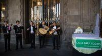 En una manifestación pacífica, integrantes de la coalición Cero Emisiones se presentaron esta mañana en la entrada principal del edificio de la jefatura de gobierno para entregarle a su titular, […]