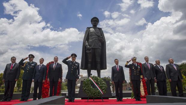 """Teoloyucan, Méx.- El Presidente de la República, Enrique Peña Nieto, afirmó que así como hace cien años los Tratados de Teoloyucan significaron el inicio de grandes transformaciones para México, """"ahora, […]"""