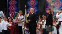 En el Zócalo de la Ciudad de México (CDMX), el Presidente Andrés Manuel López Obrador (AMLO), en una ceremonia que no se presentaba desde el expresidente Luis Echeverría (1970-1976), un […]