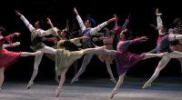 Reacciones de asombro y gozo provocó la nueva producción de El lago de los cisnes que la Compañía Nacional de Danza (CND) presenta por primera vez en el Palacio de […]