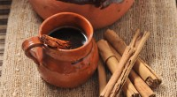 ¿Y PORQUE EN MEXICO NO SE TOMA BUEN CAFÉ? (2) Desde una perspectiva histórica… En los revolucionarios años 60 café legal fue el pionero del café de grano molido para […]