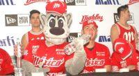 Fotos e información: Enrique Fragoso Los Diablos Rojos del México, en días pasados organizaron una firma de autógrafos para sus seguidores que en más de dos centenas de personas se […]