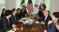 El gobernador mexiquense, Eruviel Ávila, recibió a su homólogo de California, Estados Unidos, Edmund G. Brown, y afirmó que este encuentro tienen como fin fortalecer los vínculos en materia comercial, […]