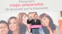 A sus casi once años, Alonso, estudiante de la Primaria Gustavo Baz Prada del municipio de Jocotitlán, jamás imaginó que podría conocer una tableta electrónica y mucho menos poder tenerla […]