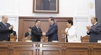 El gobernador del Estado de México, Eruviel Ávila Villegas afirmó que la Universidad Autónoma del Estado de México (UAEM), es una institución educativa fuerte y sólida por su unidad, así […]