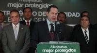 Toluca, Méx.- El gobernador de la entidad, Eruviel Ávila Villegas, anunció que de enero pasado a la fecha, mil 73 elementos de las policías estatal, municipal y de la Procuraduría […]