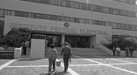 La oposición, cuando el PRI tenía la Presidencia de México celebró que las instituciones electorales, como el IFE y que la conducción de las elecciones, quedaran fuera de la intervención […]