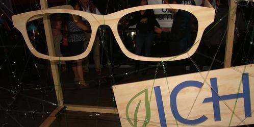 623a25111c Armazón de lentes con 99% de PET reciclado, ayuda ecológica y de salud  visual