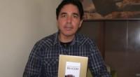 """A 20 años del movimiento """"Acción Poética"""", reproducido en más de 30 ciudades del mundo, llega el libro de poemas """"Balacera"""" de Armando Alanís Pulido, que presenta un doble interés: […]"""