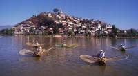 """Y Michoacán recupera medio territorio. La región de Tierra Caliente, esa que es como dice la canción """"Caminos de Michoacán y pueblos que voy pasando"""", donde se trabaja sembrando y […]"""