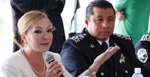 """Naucaplan, Méx.- """"Naucalpan ante el Bicentenario, una mirada al pasado"""", es el título del libro que presentó la alcaldesa de Naucalpan Azucena Olivares, esta obra fue editada por el Gobierno […]"""