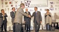 Enrique Peña Nieto trabaja en la modernización de México. Empieza su programa en la reforma de apartados estructurales, como lo laboral, el sector energético, el hacendario; y ante la comunidad […]