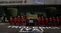 Activistas de Greenpeace se manifestaron en las instalaciones de la Secretaría de Movilidad de la Ciudad de México (Semovi) para denunciar que la dependencia no ha presentado los estudios de […]