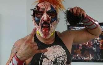 En una lucha sangrienta, el integrante de los Psycho Circus, se cobró todas las humillaciones que había recibido del Texano Jr. como fueron dos derrotas en luchas por el megacampeonato, […]