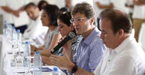 """El secretario de Turismo federal (Sectur), Enrique de la Madrid, hizo un llamado a conservar por décadas a la """"gallina de los huevos de oro"""" que es el turismo mexicano, […]"""
