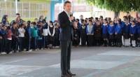 El secretario de Educación Pública, Aurelio Nuño Mayer, aseguró que se mantendrá la entrega de ocho millones de becas a niños y jóvenes de todo el país, con inversión […]