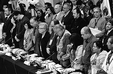 Tras criticar al Estado por omiso, cooptado y corrupto, Javier Sicilia emplazó a legisladores a hacerse corresponsables de los 50 mil muertos que ha dejado la lucha contra el crimen; […]