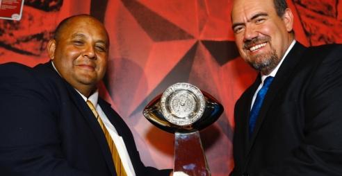 En conferencia de prensa se llevó a cabo la presentación del trofeo del I Tazón México de la Liga de Futbol Americano (LFA) profesional de México, trofeo que será entregado […]